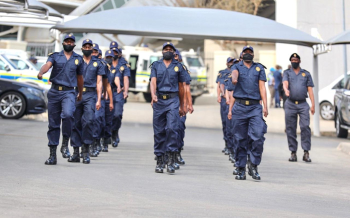 More that 3,000 security officers have been appointed to guard Prasa rail infrustructure. The agency loses millions to copper cable theft and other forms of vandalism. Picture: Twitter/@MbalulaFikile