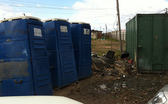Residents from Sweet Home Farm informal settlement in Cape Town still use the bucket system. Picture: Malungelo Booi/EWN