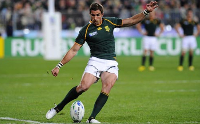 Springbok Ruan Pienaar converts a try during the 2011 Rugby World Cup pool D match Namibia vs South Africa in Auckland on 22 September 2011.  Picture: AFP.