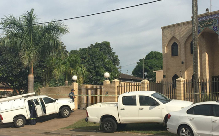 Forensic investigators at the Imam Hussain Mosque near Verulam following an attack on the complex. Picture: Ziyanda Ngcobo/EWN