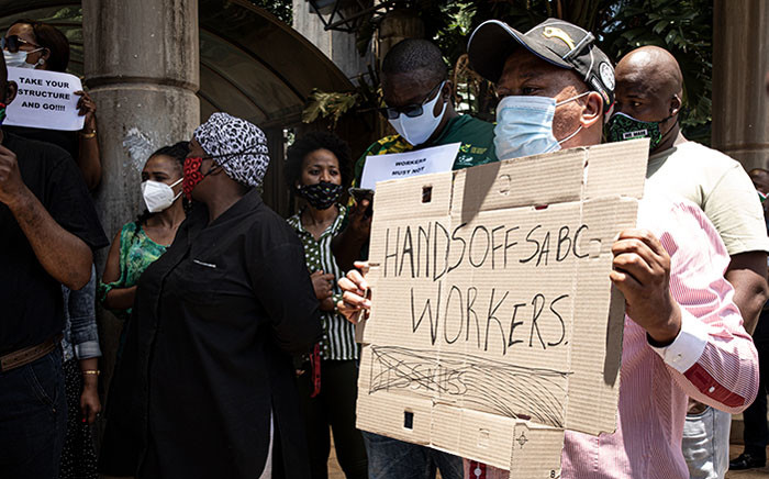 SABC employees protesting against retrenchments. Picture: Xanderleigh Dookey Makhaza/EWN