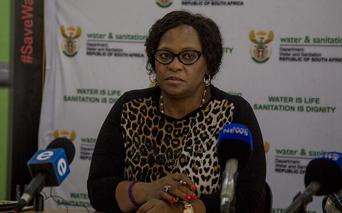 FIILE: Water & Sanitation Minister Nomvula Mokonyane addresses the media at the Vaal Dam south of Johannesburg on increased dam levels on 26 February 2017. Picture: Reinart Toerien/EWN.