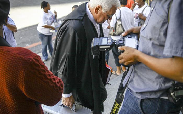 FILE: Dewani's advocate Francois van Zyl enters the Western Cape High Court ahead of Shrien Dewani's murder trial on 14 October 2014. Picture: Thomas Holder/EWN.