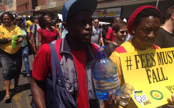FILE: Students in Pretoria take part in a Fees Must Fall march in October 2015. Picture: EWN.