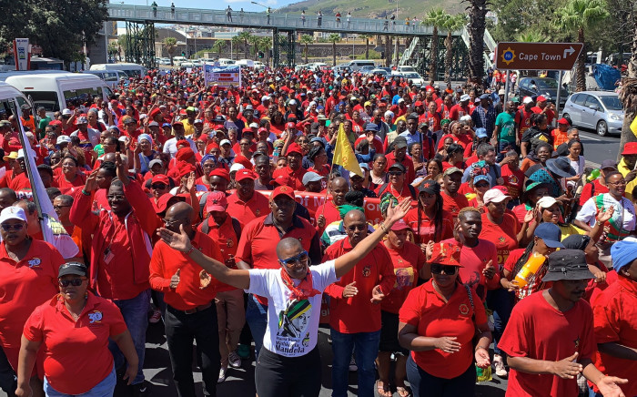 Cosatu leads march through Cape Town's CBD demanding reliable public transport. Image: EWN/Kaylynn Palm