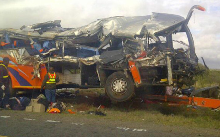 The bus involved in the deadly Limpopo crash that claimed the lives of 11 people. Picture: @LizSCrisp/Twitter.