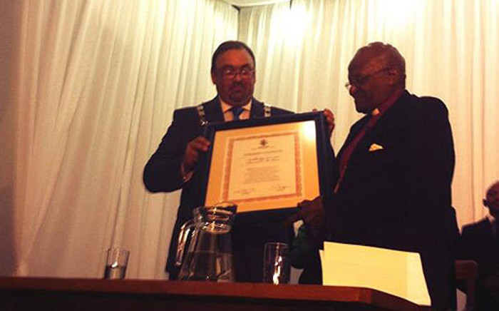 Archbishop Emeritus Desmond Tutu receives his honorary citizenship of Swellendam on 23 October 2013. Picture: Chanel September/EWN.