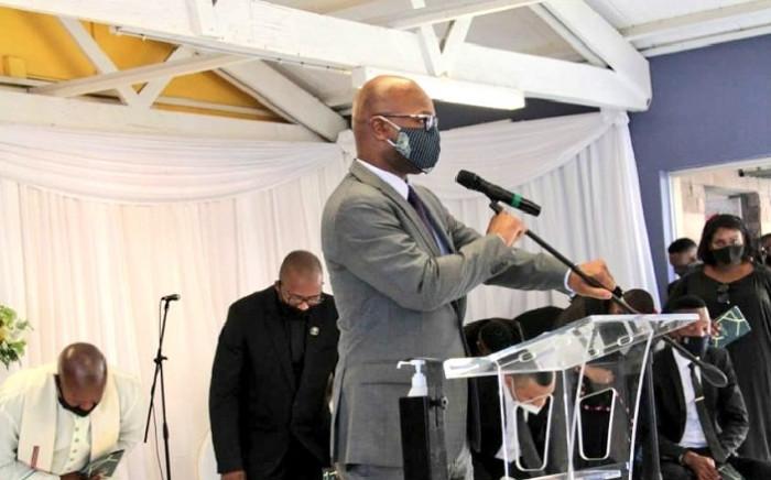 Sports Minister Nathi Mthethwa (podium) at the funeral service of former Bafana Bafana defender, Anele Ngcongca, on 10 December 2020 in Gugulethu, Cape Town. Picture: @NathiMthethwaSA/Twitter