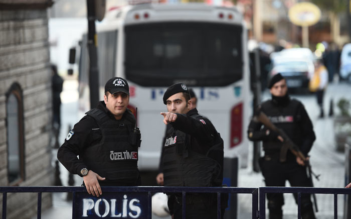 FILE: Turkish police cordon off the Blue Mosque area on 12 January 2016 after a blast in Istanbul's tourist hub of Sultanahmet left 10 people dead. Picture: AFP.