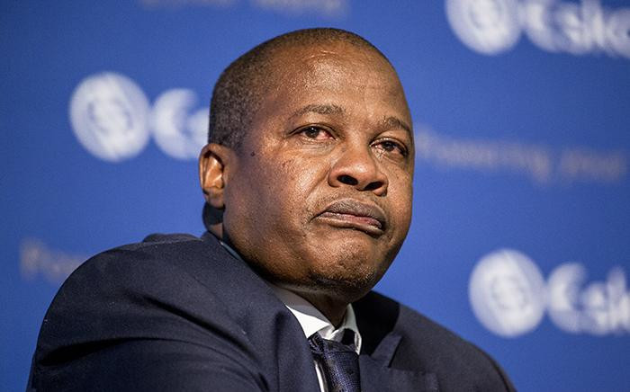 FILE: Former Eskom CEO Brian Molefe tears up following a discussion of former Public Protector Thuli Madonsela's 'State of Capture' report findings during a press conference in Johannesburg on 3 November 2016. Picture: EWN.