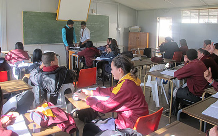 Pupils inside an overcrowded Cape Town classroom. Picture: Carmel Loggenberg/EWN.