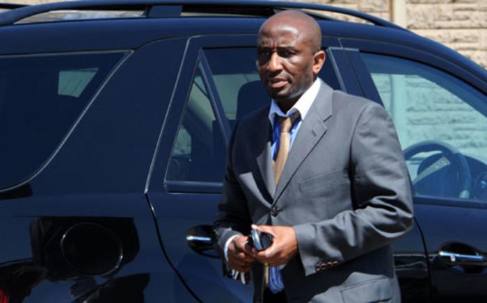 Richard Mdluli's lawyer Ike Motloung, arrives for court. Picture: Sapa.