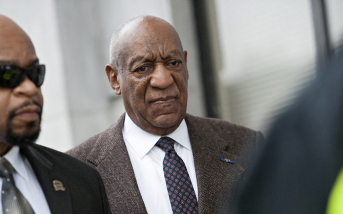 US entertainer Bill Cosby (C) enters the Montgomery County Courthouse for the second day of a hearing regarding charges stemming from an alleged sexual assault in 2004 in Elkins Park, Pennsylvania, USA, 3 February 2016. Picture: EPA/Tracie van Auken