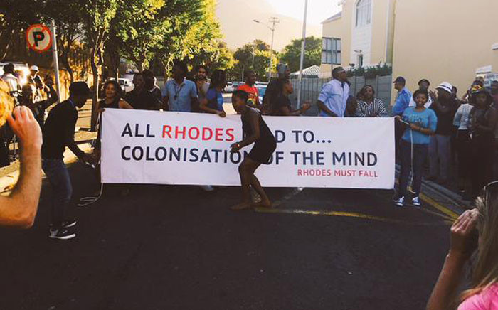 UCT students on their way to picket outside the council meeting venue where a decision of the fate of the Cecil John Rhodes statue is taking place. Picture: Masa Kekana/EWN.
