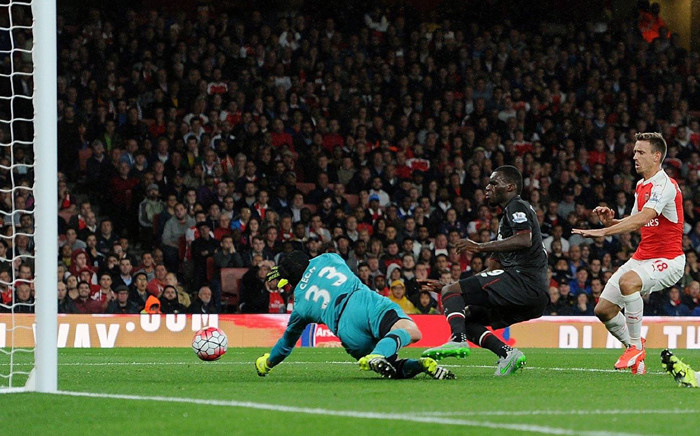Arsenal goalkeeper, Petr Cech, makes a save from Liverpool's Christian Benteke during their Premier League clash on 24 August 2015. Picture: Liverpool/Facebook page.