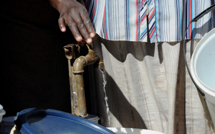 FILE: Residents in western Johannesburg remain without water after a power outage disabled a Rand Water station. Picture: Sapa.