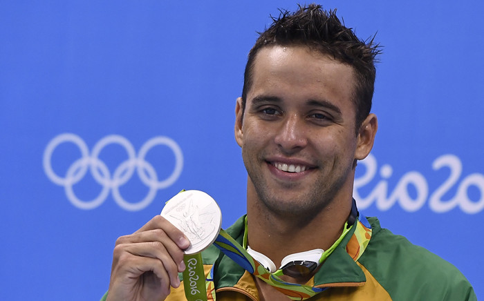 South Africa's Chad Guy Bertrand Le Clos poses with his silver medal on the podium of the Men's 200m Freestyle during the swimming event at the Rio 2016 Olympic Games at the Olympic Aquatics Stadium in Rio de Janeiro on 8 August, 2016. Picture: AFP.