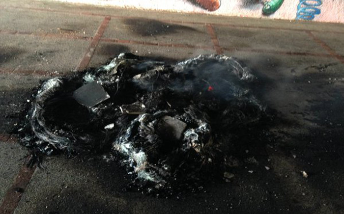 The City Town's traffic department says it has received reports of burning tyres on the University of Cape Town's Upper and Middle Campuses on 9 November 2015. Picture: Lauren Isaacs/EWN.
