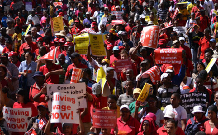FILE PICTURE: Thousands take part in a Cosatu march against labour brokers and e-tolling in Cape Town on 7 March 2012. Picture: Aletta Gardner/EWN
