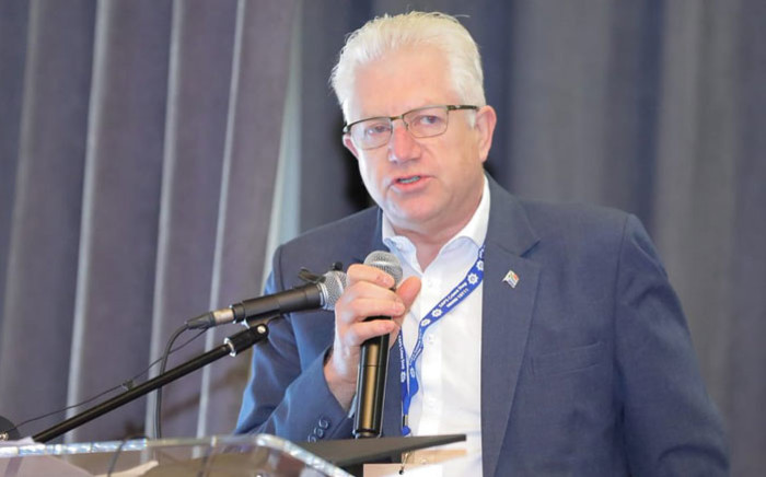 FILE: Western Cape Premier Alan Winde speaks at a crime summit in Paarl on 14 July 2019. Picture: @SAPoliceService/Twitter