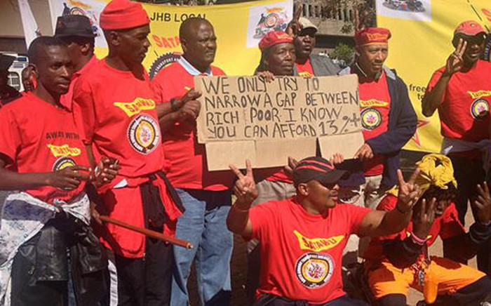 Bus drivers affiliated to Satawu march through the Johannesburg CBD on 10 May 2013. Picture: Govan Whittles/EWN