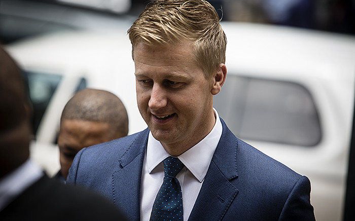 FILE: Media personality Gareth Cliff arrives at the High Court in Johannesburg for his court case against broadcaster M-Net on 26 January 2016. Picture: Reinart Toerien/EWN.