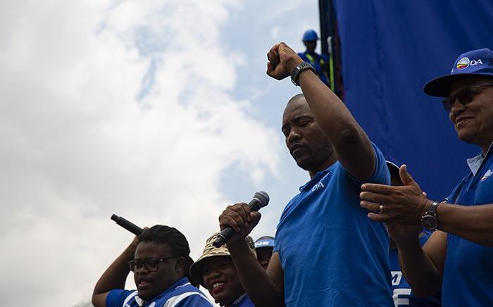 DA leader Mmusi Maimane addresses DA members before unveiling a billboard in Johannesburg on 16 January 2019. Picture: Kayleen Morgan/EWN