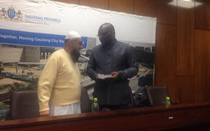FILE: Gauteng Transport MEC Ismail Vadi and Gauteng Premier David Makhura in Mamelodi following attacks on the Autopax buses by taxi drivers on 3 July 2015. Picture: Mia Lindeque/EWN.