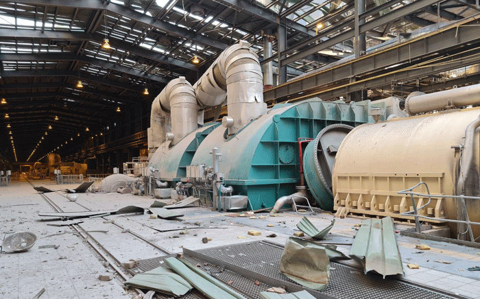 An explosion ripped through Medupi Power Station's Unit 3 Generator just before 11 pm on 8 August. Picture: @chrisyelland/Twitter.