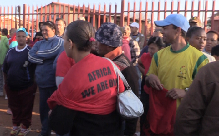 Economic Freedom Fighter members offered support to disgruntled parents, while some welcomed the support, the EFF contingent was asked to leave by community leaders who didn't want the situation to become a political football.
