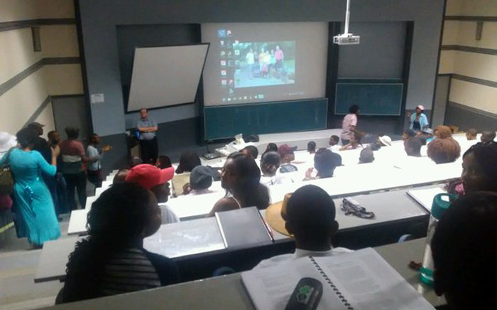 Workers and students have disrupted a second year mining engineering lecture and forced them to leave the class on 28 October 2015. Picture: Govan Whittles/EWN.