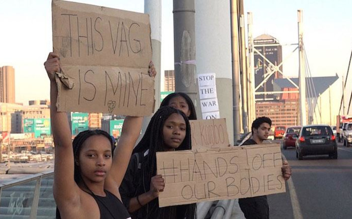 Members of the South African Students Council of Wits gathered on Nelson Mandela Bridge in Johannesburg to voice their concerns about gender-based violence and murders that have been highlighted in the news recently. Picture: Louise McAuliffe/EWN