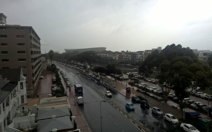 A wet Somerset Road in Cape Town on a rainy day. Picture: Zunaid Ismael/EWN