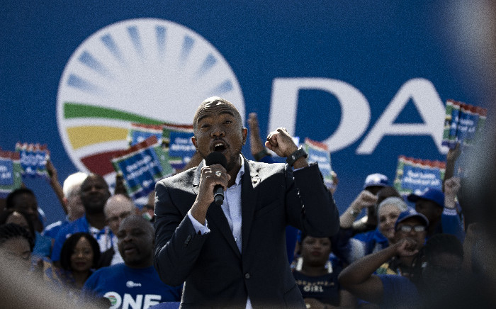FILE: DA Leader Mmusi Maimane addresses supporters at the party's final rally held at Dobsonville stadium. Picture: Kayleen Morgan/EWN