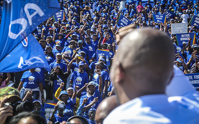 DA leader Mmusi Maimane interacts with supporters at the Rand Stadium in Johannesburg on 23 April 2016 for the party's official manifesto launch for the 2016 local government elections. Picture: Reinart Toerien/EWN.