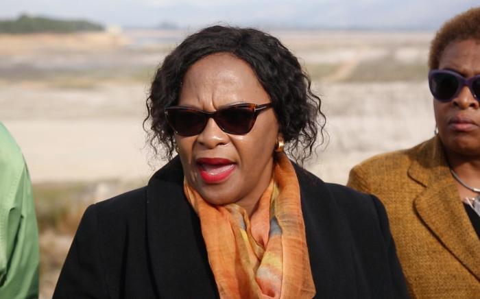 FILE: Minister of Water and Sanitation Nomvula Mokonyane at the nearly empty Theewaterskloof Dam. Picture: Bertram Malgas/EWN
