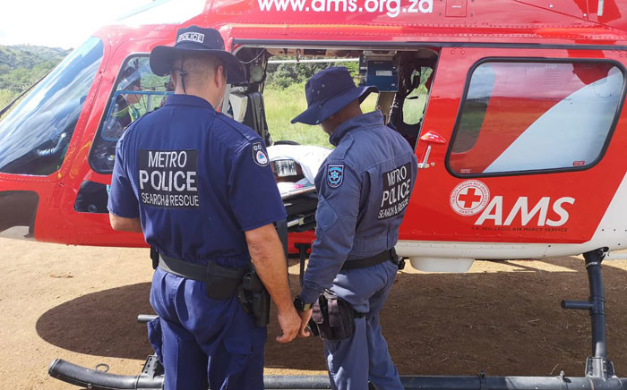 Rescuers from the KZN paramedics team and other EMS officials responded to the incident on 9 April 2019. Picture: @_ArriveAlive/Twitter