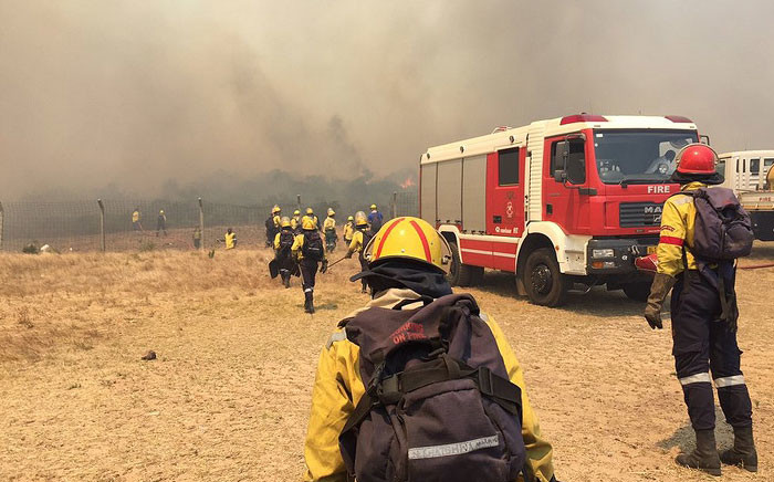 At least 100 firefighters battled a fire that broke out in Scarborough on 11 January 2016. Picture: Aletta Harrison/EWN.