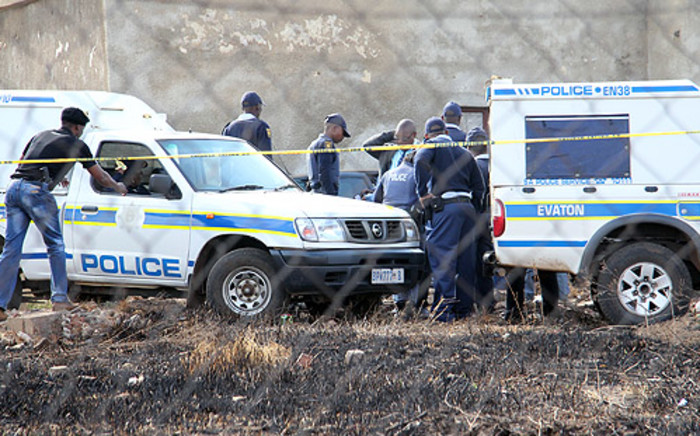 Police on the scene of a hostage situation in Evaton, south of Johannesburg. Picture: Taurai Maduna/EWN