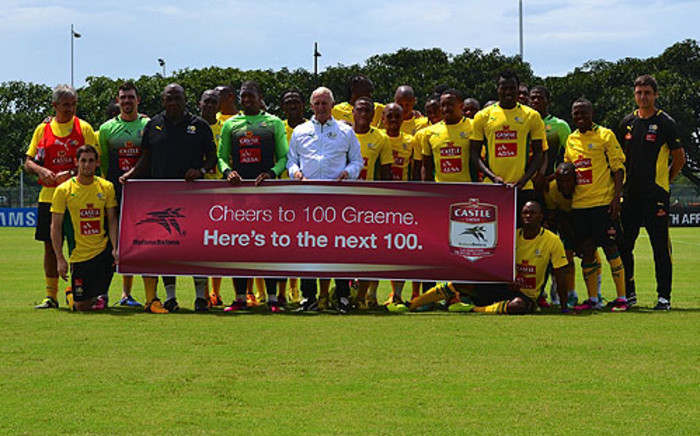 Bafana Bafana show their support to Graeme Smith ahead of his 100th Test as Proteas captain. Picture: Aletta Gardner/EWN