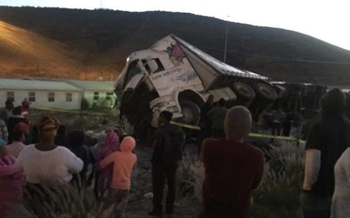 A truck driver was killed on Sunday, 12 May,  after a rock was hurled at his vehicle on the N1 near De Doorns. Picture: Facebook.com