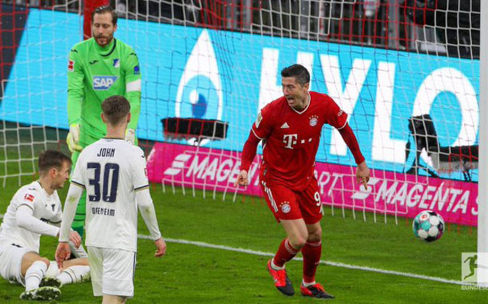 Bayern's Robert Lewandowski continued his incredible scoring run with his 24th league goal this season. Picture: Twitter @FCBayernEN.