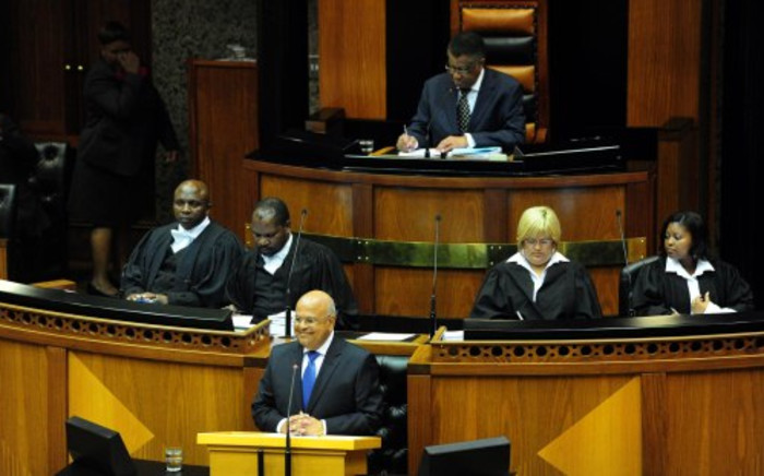 Finance Minister Pravin Gordhan delivers the 2014 Budget Speech in Parliament, Cape Town, 26 February 2014. Picture: GCIS.