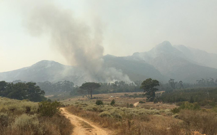 The view of the fire from the area called Brandwacht after the fire spread over the mountain from Jonkershoek. Picture: Aletta Gardner/EWN.na/EWN.