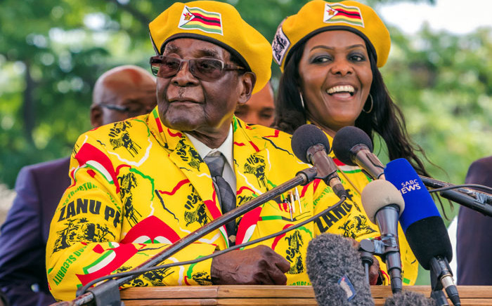 FILE: Former Zimbabwe President Robert Mugabe and his wife Grace Mugabe at a Zanu-PF rally on 8 November 2017. Picture: AFP