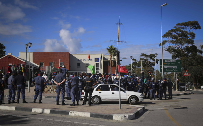 FILE: A group of protesters in front of the Hout Bay SAPS station. Picture: Cindy Archillies/EWN.