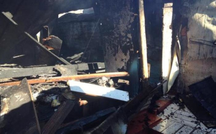 Over 300 people from Marlboro industrial are destitute after a fire swept through nearly 70 shacks. Picture: Thando Kubheka/EWN.