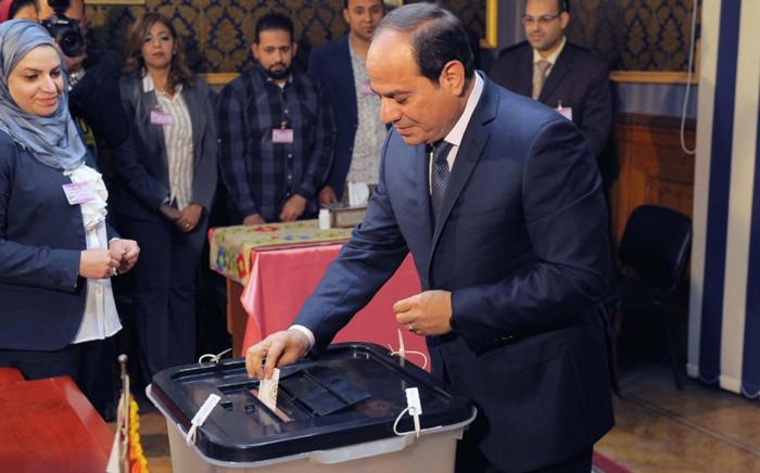 Egyptian President Abdel Fattah al-Sisi casting his ballot. Picture: @AlsisiOfficial/Twitter