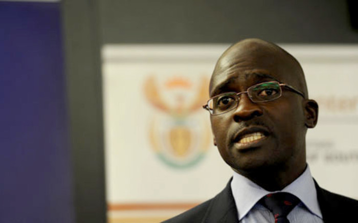 FILE. Home Affairs Minister Malusi Gigaba says Zimbabweans who receive new permits to stay in SA will have to reapply after a period. Picture: Werner Beukes/SAPA