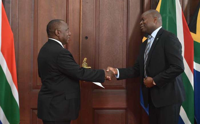 President Cyril Ramaphosa (L) and Botswana's High Commissioner to South Africa Lameck Nthekela (R). Picture: @PresidencyZA/Twitter.